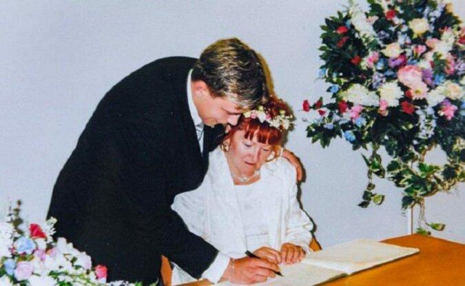 18 lat temu 17-latek poślubił 51-letnią kobietę. Zobacz, jak żyje im się dzisiaj