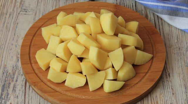 Nauczyłam się smacznie i szybko gotować ziemniaki: są przygotowywane bez stałego nadzorowania i nie rozpadają się