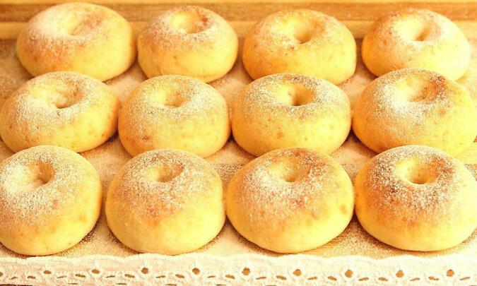 Pyszne twarogowe pączki w piekarniku bez masła i drożdży. Świetny wypiek