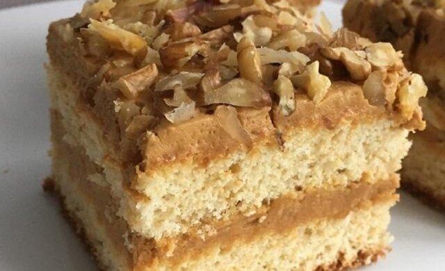 Ciasto z kremem krówkowym. Pyszny i łatwy do przygotowania deser