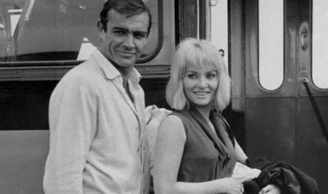 """Zmarł Sean Connery. Wspominamy dwóch głównych kobiet aktora - najbardziej pożądanego mężczyzny według """"People"""""""