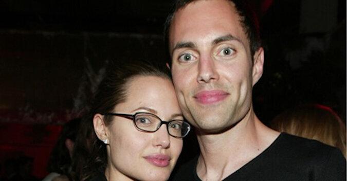 Brat Angeliny Jolie, James Haven, unikający publicznych wystąpień, został zauważony po raz pierwszy od lat tego samego dnia ze swoją siostrą