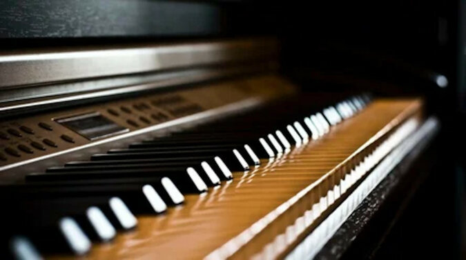 Dźwięk fortepianu budził kobietę w nocy, a kiedy znalazła winowajcę, nie mogła uwierzyć własnym oczom. Wideo