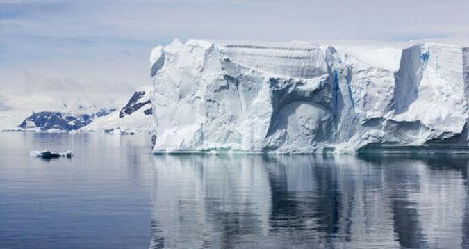 Największa na świecie góra lodowa oderwała się na Antarktydzie
