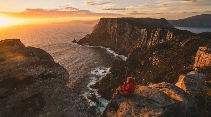 Młoda para podróżująca po Australii już czwarty rok pokazała swoje koczownicze życie