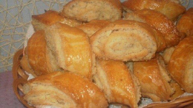 """Gruzińskie piaskowe ciasteczka """"Kada"""" z nadzieniem cukrowym. Szybko i łatwo"""