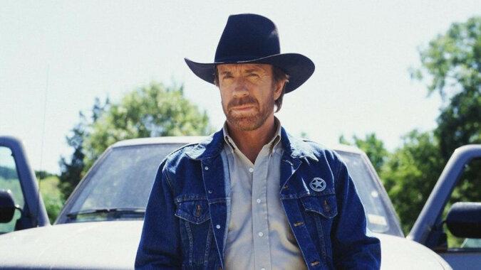 Chuck Norris ma 81 lat. Jak teraz wygląda legendarny aktor i czym się zajmuje?