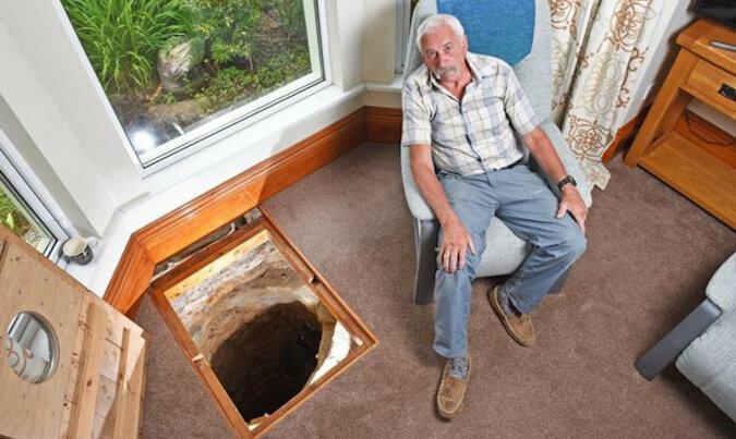 Podczas remontu salonu emeryt znalazł 500-letnią studnię. Nie była ona pusta