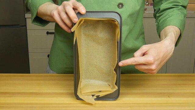 Jak ułożyć prostokątną formę do pieczenia, aby biszkopty nie przyklejały się i nie się miażdżyły