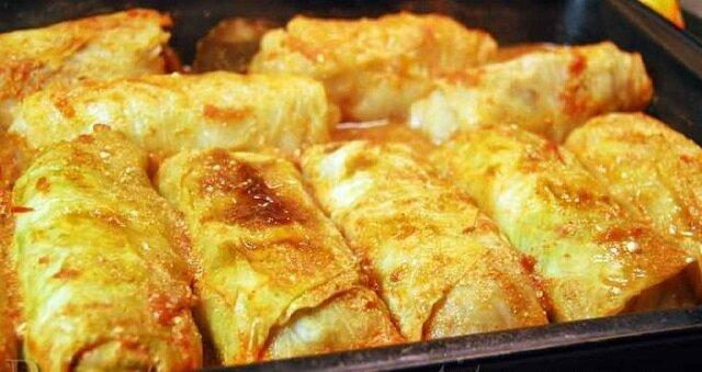Gołąbki pieczone w piekarniku po zakarpacku. Są bardziej smaczne, niż zwykłe gołąbki