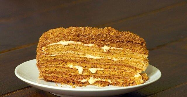 Przepis na ciasto miodowo biszkoptowe