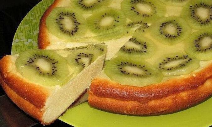 Pyszna zapiekanka z kiwi: smaczna i piękna, jak tort