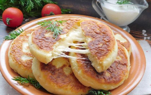 Placuszki ziemniaczane z serem - sycące i szybkie
