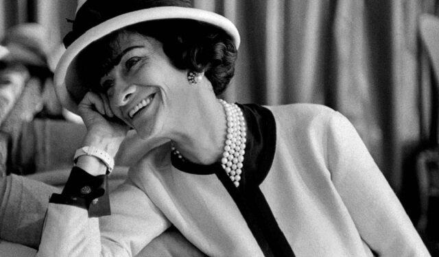 Jak stać się bardziej kobiecą: wskazówki od Coco Chanel