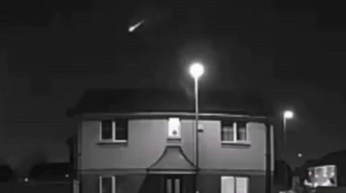Meteor eksplodował na niebie nad Wielką Brytanią. Wideo