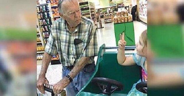 """4-latka w sklepie nazwała mężczyznę """"starym"""". Jego reakcja wprawia mamę dziewczynki w osłupienie"""