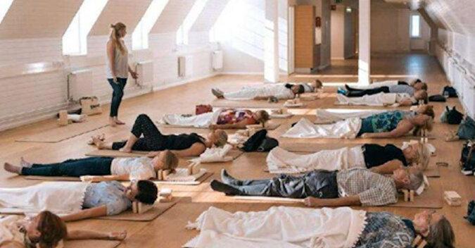 W fińskich biurach wprowadzono sen w ciągu dnia. Czas snu jest płatny