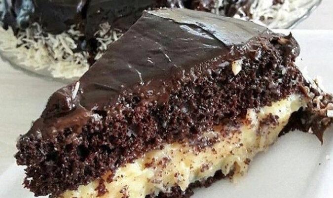 """Delikatny tort """"Baunty"""". Przepyszny tort, który rozpływa się w ustach"""