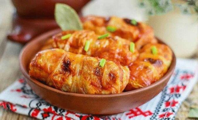 Bardzo delikatne i smaczne gołąbki z kapusty pekińskiej w piekarniku