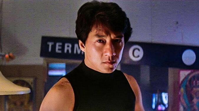 Jackie Chan mieszka z żoną od prawie 40 lat. Jak dziś wygląda słynna niegdyś aktorka Lin Feng-Jiao
