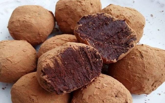 Delikatna trufla czekoladowa. Po prostu rozpływa się w ustach