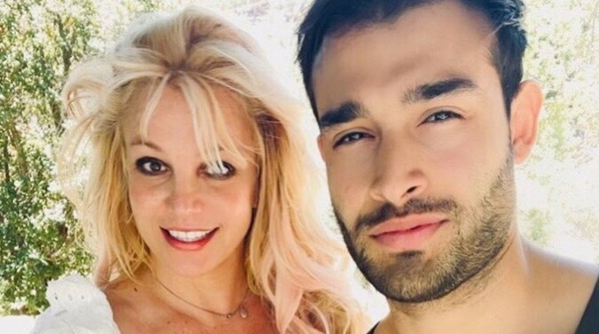 Britney Spears zaskoczyła swoich fanów, dumnie ogłaszając swoje zaręczyny