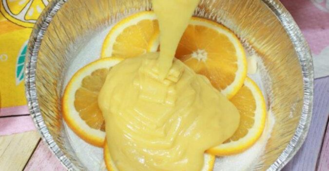 Bierzemy 1 pomarańczę, 2 jaja i robimy kolorowe i aromatyczne ciasto. Minimum składników i maksimum smaku