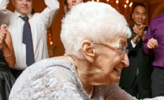 Ta 85-letnia kobieta zmieniła swoje ciało. Będziesz zaskoczony tym co zobaczysz