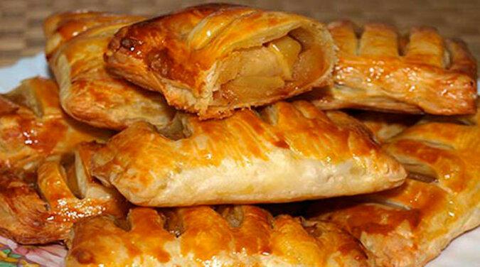 Ciastka francuskie z jabłkami zrobione w bardzo łatwy sposób
