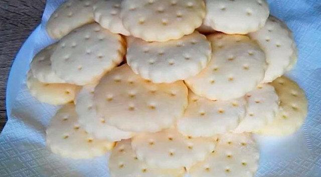 Proste ciasteczka. Delikatne, porowate i przewiewne