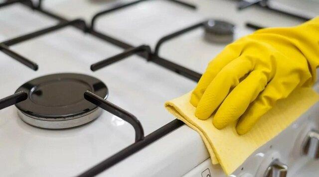 Uniwersalny środek do mycia naczyń i całej kuchni
