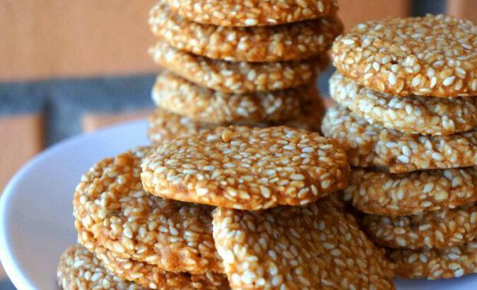 Ciasteczka sezamowe. Chrupiące, aromatyczne i doskonałe