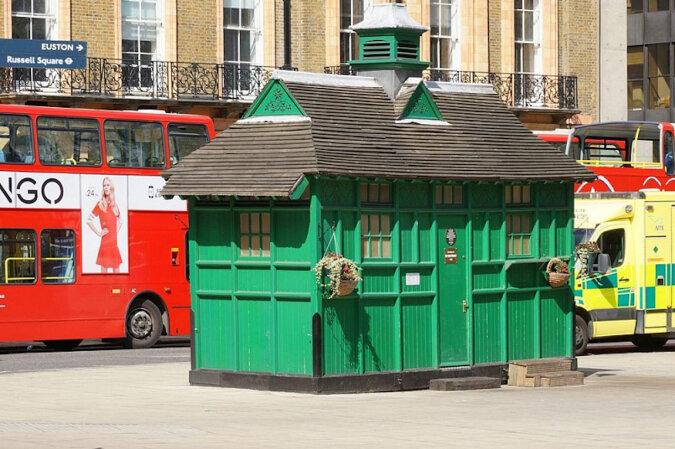 Jaką funkcję pełnią zielone domy w Londynie i dlaczego taksówkarze je uwielbiają?